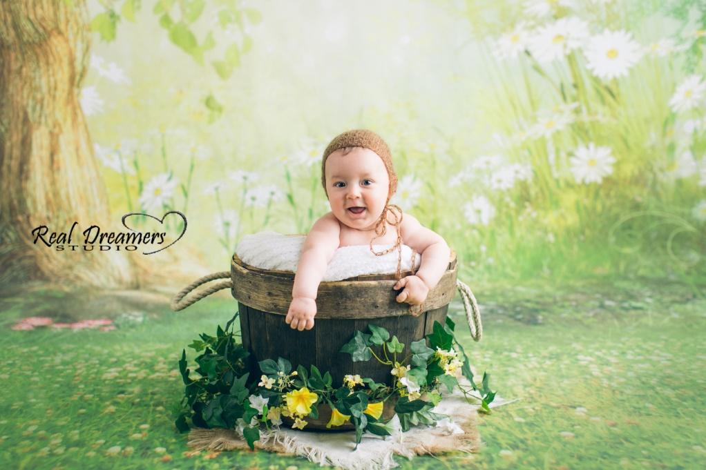 Servizio Fotografico Bebè - Sorride secchio legno