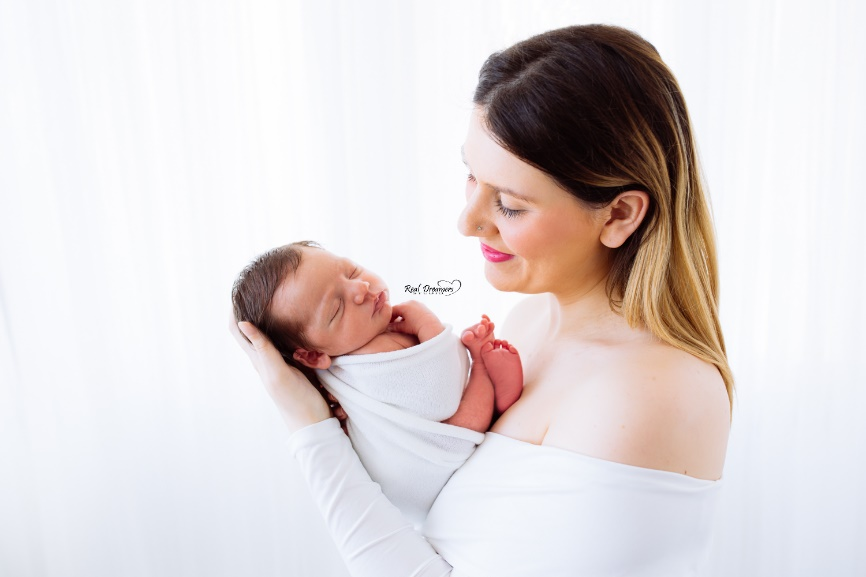 Servizio fotografico neonati - Abbraccio sorriso
