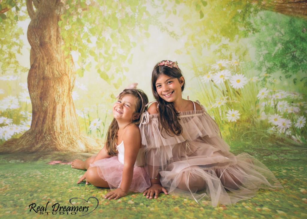 Servizio Fotografico Bambini - sorelle bosco
