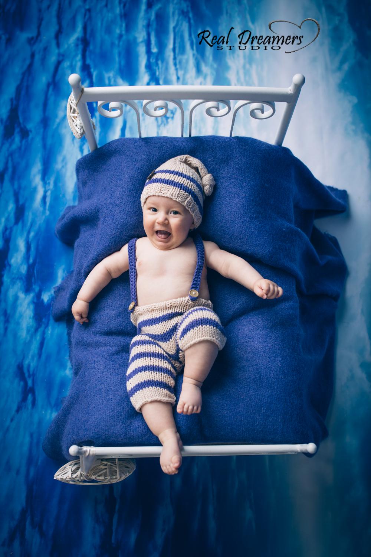 Servizio Fotografico Bebè - lettino blu verticale 1