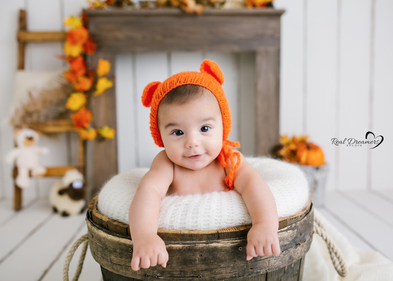 Servizio-Fotografico-Bebè- tinozza- orsetto-autunno