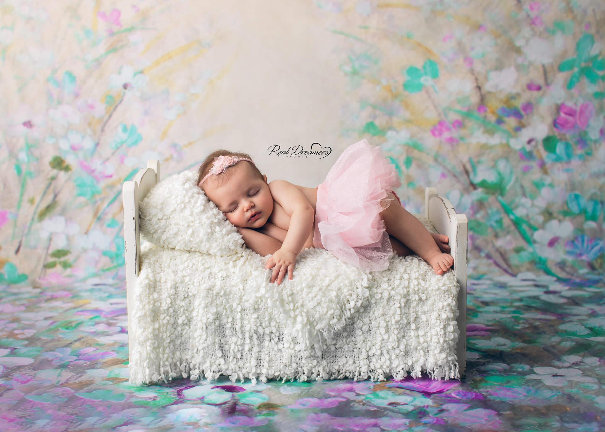 Real Dreamers Studio - servizio - fotografico - neonata - lettino