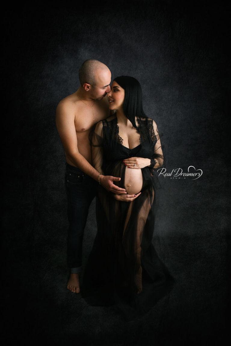 Real-Dreamers-Studio-servizio-fotografico-maternità-foto-coppia.j